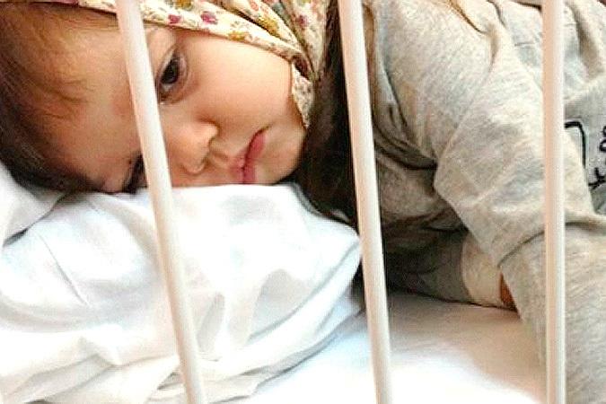 Мать малышки, пострадавшей в игровой комнате: «За искалеченный палец ребенка нам предлагали торт»